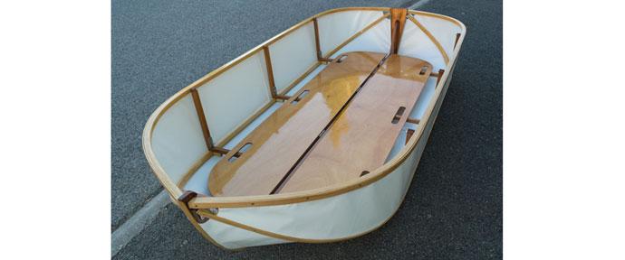 Fliptail folding boat
