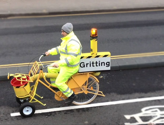 gritting, gritter bicycle,